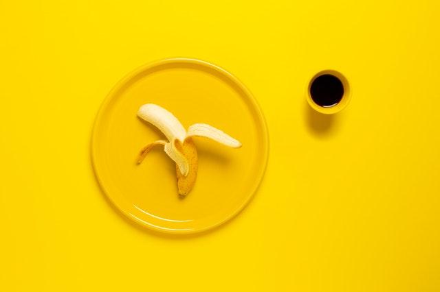 peeling z bananów, peeling bananowy, naturalny peeling, przepisy na peeling, peeling kawowy, peeling domowy, peeling z naturalnych składników, peeling do ciała, peeling do twarzy,