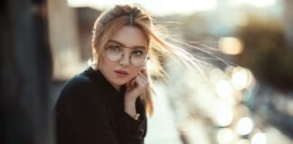 okulary, jak dobrać okulary do twarzy, modne okulary 2021, okulary 2021, oprawki 2021, zerówki 2021, okulary przeciwsłoneczne 2021,