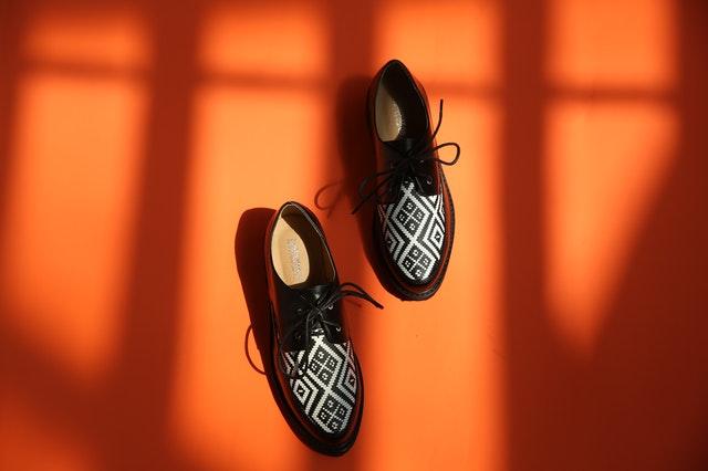 oxfordki, oxfordy, buty oxfordki, oxfordki damskie, oxfordy damskie, eleganckie buty, damskie obuwie, modne obuwie,