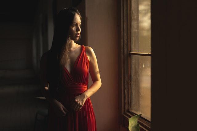 elegancka sukienka, elegancka suknia, jak nosić elegancką sukienkę, jak wybrać sukienkę, jak dobrać idealną sukienkę, modne sukienki,