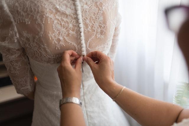 koronkowe stylizacje, koronka, ubrania z koronką, sukienki koronkowe, czarna koronka, biała koronka, koronka na wesele, elegancka koronka, koronka na lato, koronka na jesień, koronka na zimę, koronka na wiosnę,