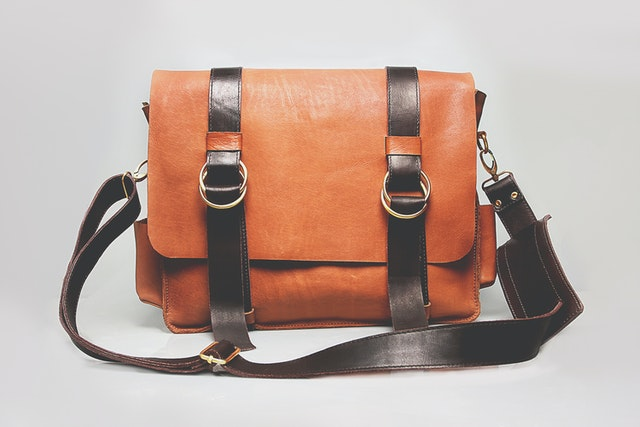 torebki ze skóry, torba ze skóry, modna torba ze skóry, skórzana torebka, jak wybrać skórzaną torebkę, ekoskóra, torebka z ekoskóry, torebki do pracy, torebki na co dzień,