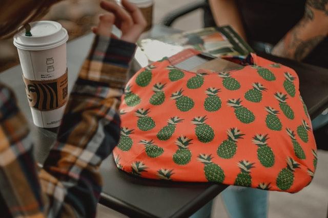 hobo bag, modne hobo bag, hobo bags, hobo bah jak nosić, modne torebki, modna torebka, pojemna torebka, wygodna torebka, torebka ze skóry,