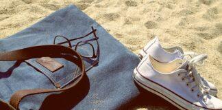 torba na plażę, torba plażowa, modna torba plażowa, jak wybrać torbę na plażę, torba wiklinowa na plażę, modne torby 2021, modne stylizacje 2021, torby na lato 2021